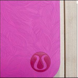 Lululemon  Reversible Mat 5mm Sketchy Palm Pink